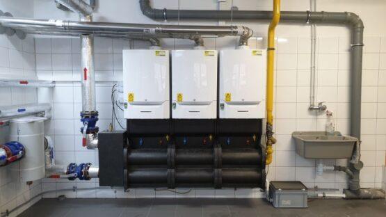 Kaskada trzech kotłów o mocy 270kW